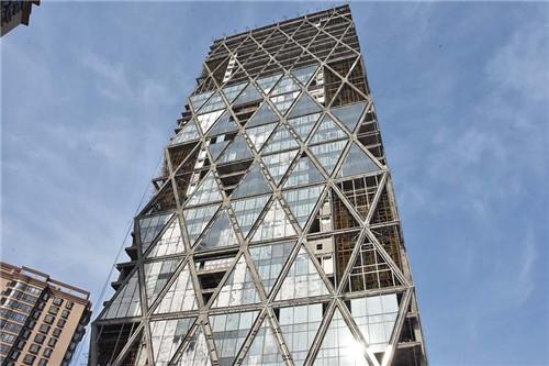 北京中弘大厦今日开拍 60余万人次围观